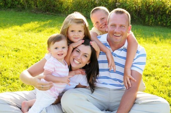 Семья - одна из непреходящих ценностей