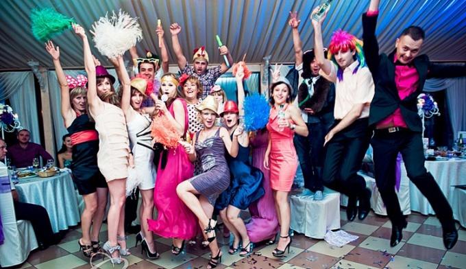 Интересные конкурсы на свадьбу для гостей без тамады