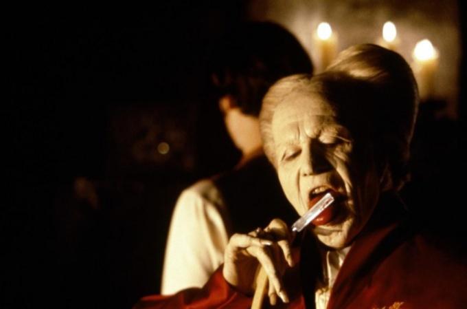Какие фильмы о вампирах можно посмотреть