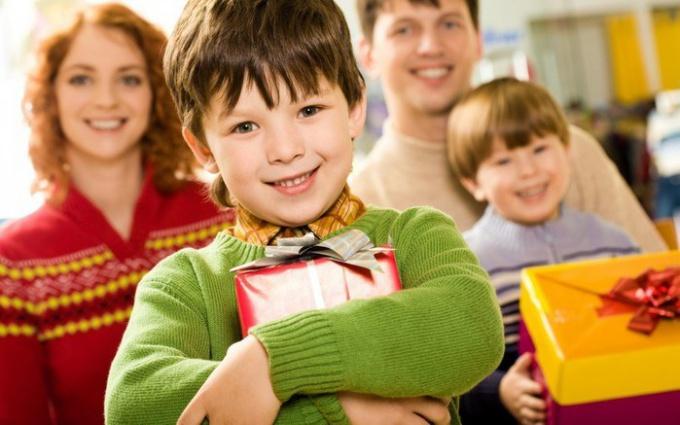 каким должен быть подарок 4-хлетнему малышу?