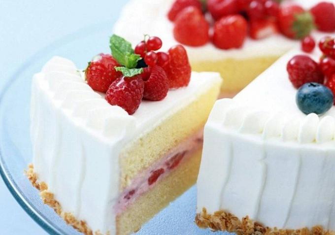 Как приготовить йогуртовый крем для торта