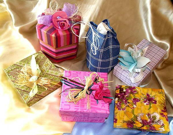 Разнообразие подарков для семейной пары