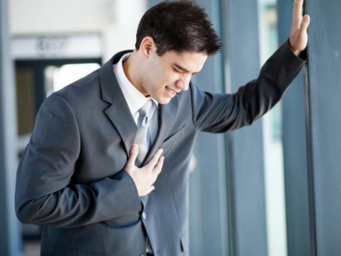Ноющая боль в груди - признак различных заболеваний