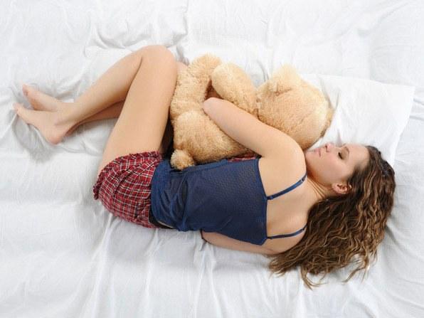 Больно спать на правом боку