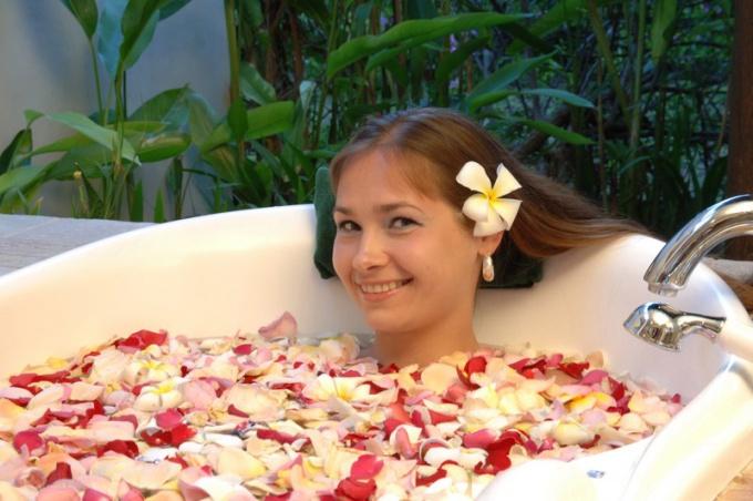 При опоясывающем герпесе можно принимать только лечебные ванны