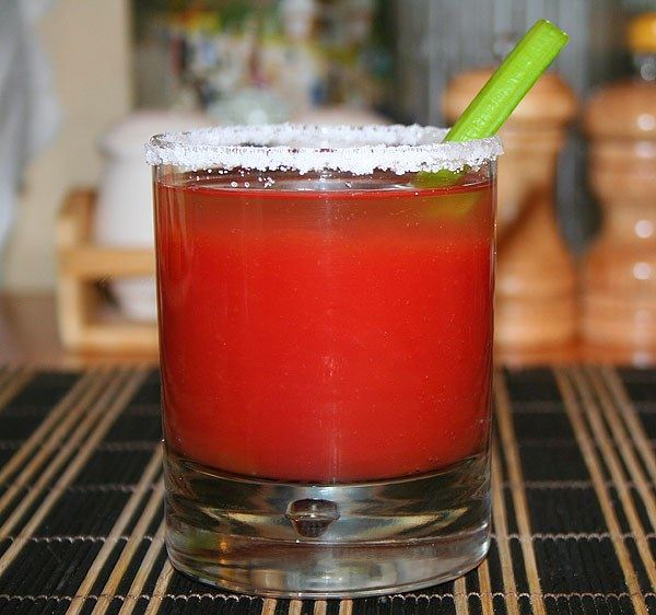 "How to make a cocktail ""Bloody Mary"""