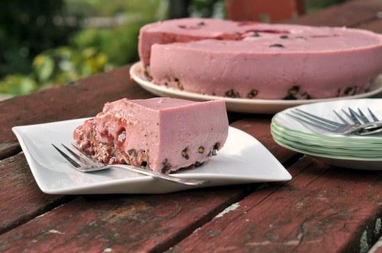 Торт без выпечки - оригинальный десерт и для праздничного стола, и для домашнего чаепития