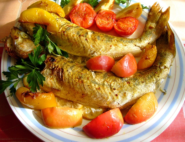 Perch, baked in the oven with potatoes