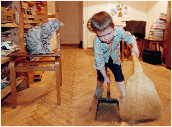 Как приучить ребенка любить трудиться