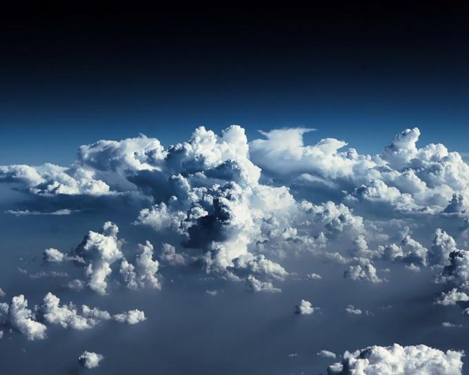 Как изменяется температура и давление воздуха при увеличении высоты