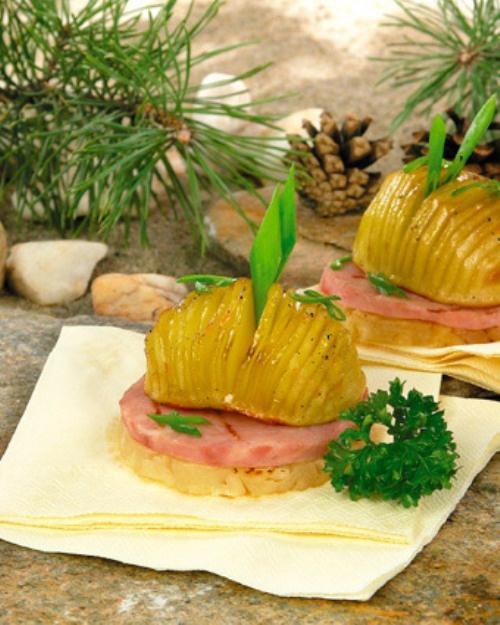 Как приготовить закуску из картофеля с ананасом и ветчиной