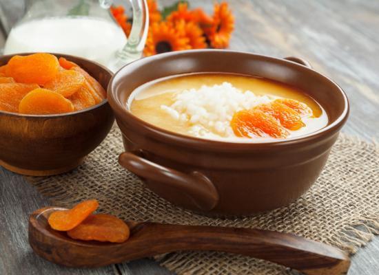 Абрикосовый суп с манными клецками
