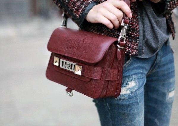 Сумка бордового цвета: как и с чем носить