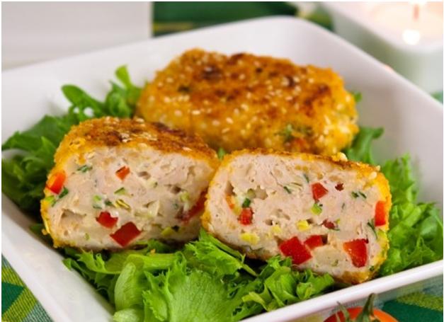 Как приготовить котлеты с куриным филе, сыром и болгарским перцем