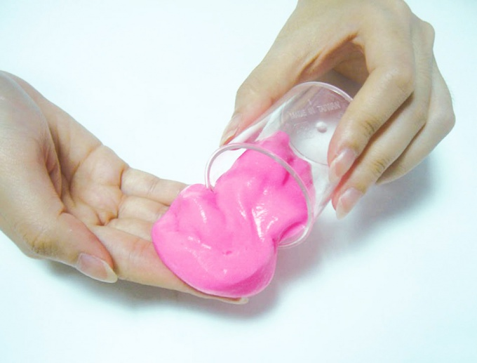 How to make slime with their hands at home