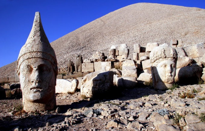 Археология изучает прошлое по предметам материальной культуры