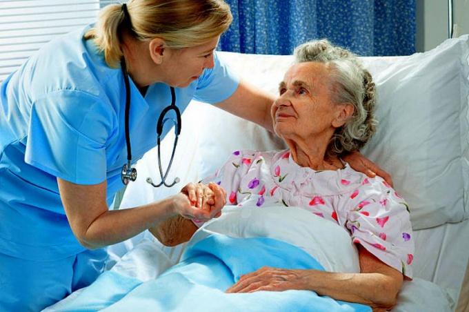 Вылечить пневмонию и избежать опасных осложнений можно, строго соблюдая назначенный врачом режим