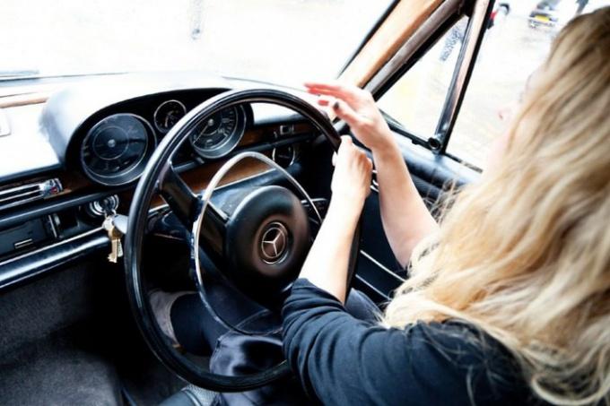 Научиться управлять автомобилем самостоятельно