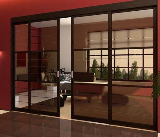 Двери-купе могут быть изготовлены из стеклянных полотен