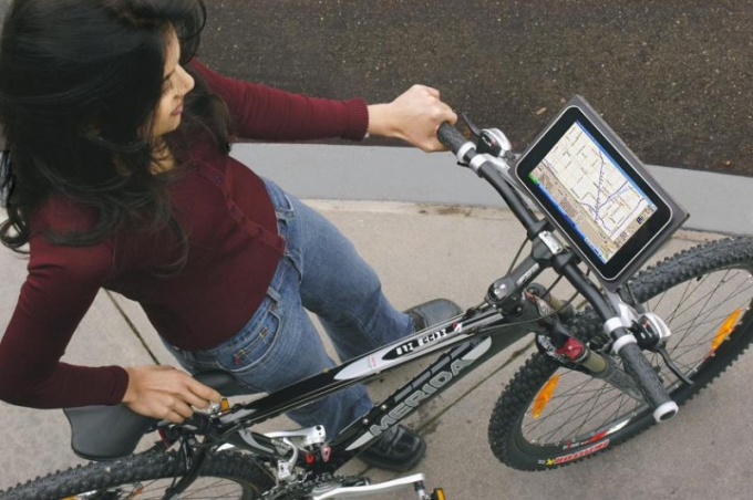 Велокомпьютер с GPS-навигатором