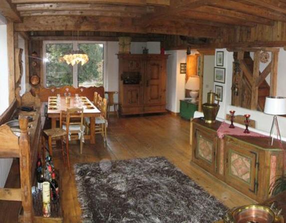 Стиль «шале»: оформляем гостиную
