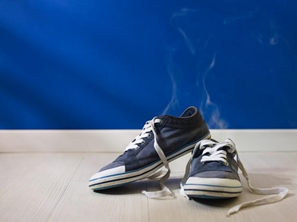 Как избавить свою обувь от запаха: практические советы