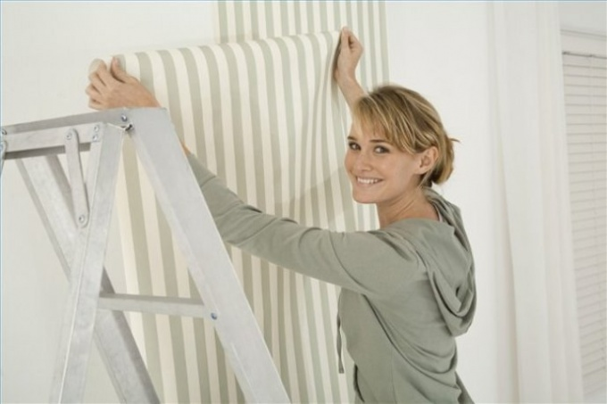 How to glue Wallpaper without the seams