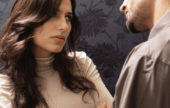 Поведение при разговоре многое говорит о чувствах мужчины