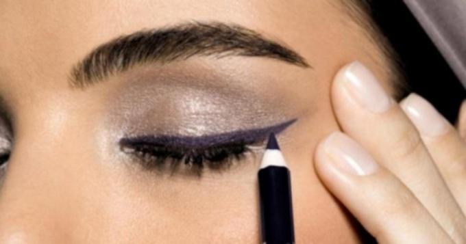 Какой карандаш для глаз лучше всего