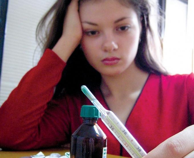 При температуре 37 не спешите принимать лекарства