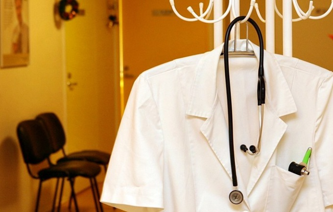 In medical institutions of the country empty of more than 150 thousand vacancies of doctors of various specialties