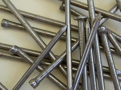 Кованные гвозди для строительных работ