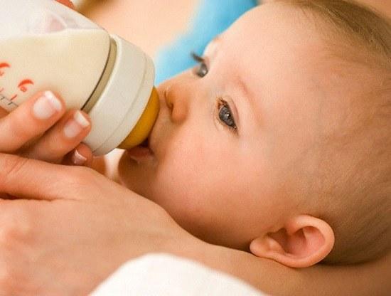 Какие смеси подходят для новорожденных