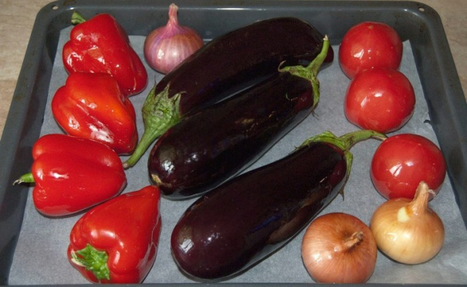 Eggplant and peppers can be cooked many delicious dishes