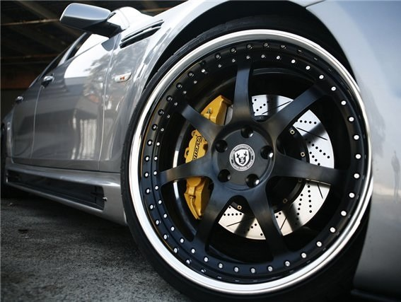 What are the rims on the car, what are they