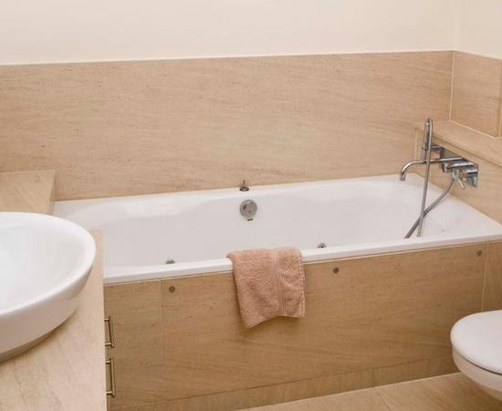 Как справиться с конденсатом в ванной комнате