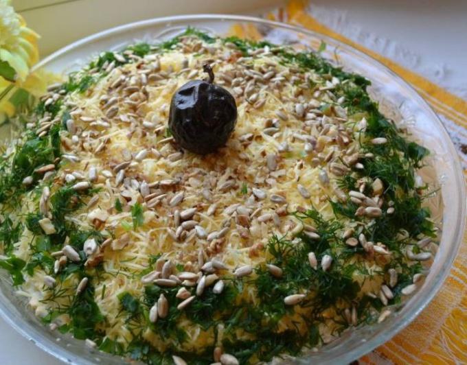 Изумительный салат Дубки