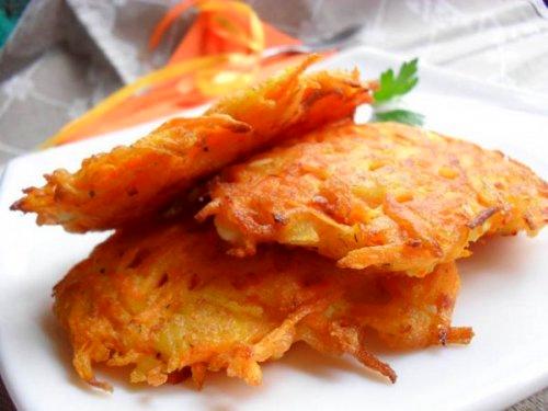 Аппетитные морковные оладьи с козьим сыром
