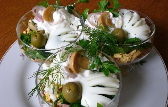 Как приготовить куриный салат – коктейль