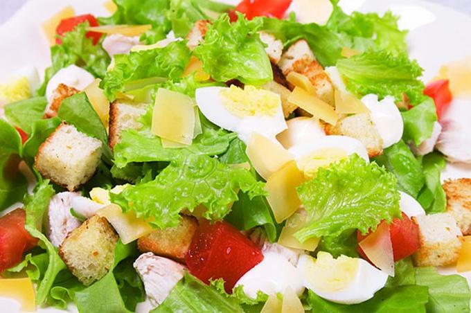 Салат из мяса индейки с овощами