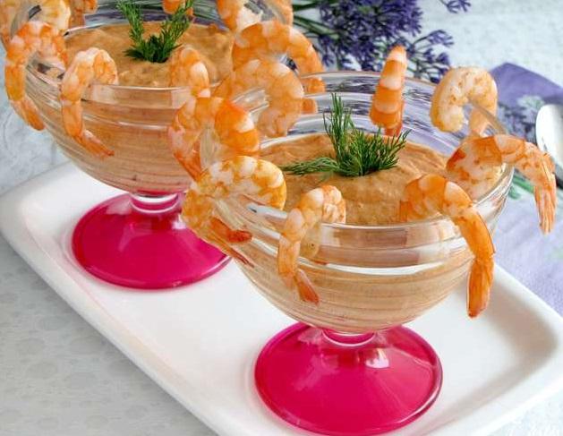 Томатно-сливочный дип с креветками