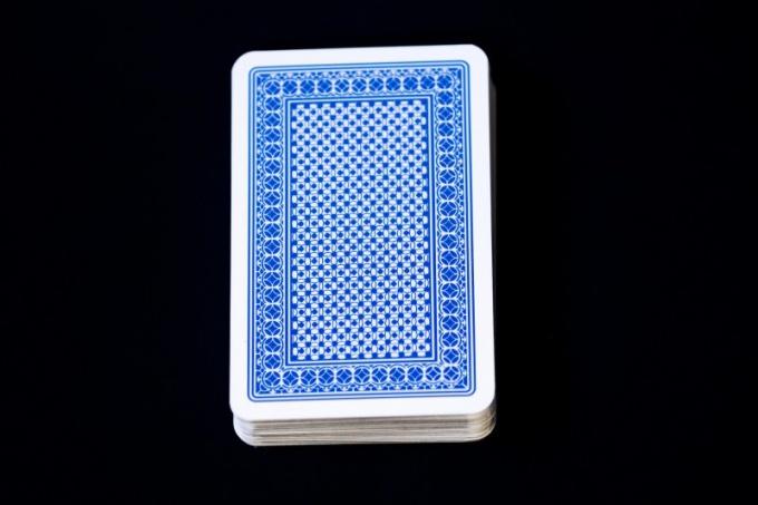 в пьяницу играть в в картах карты как