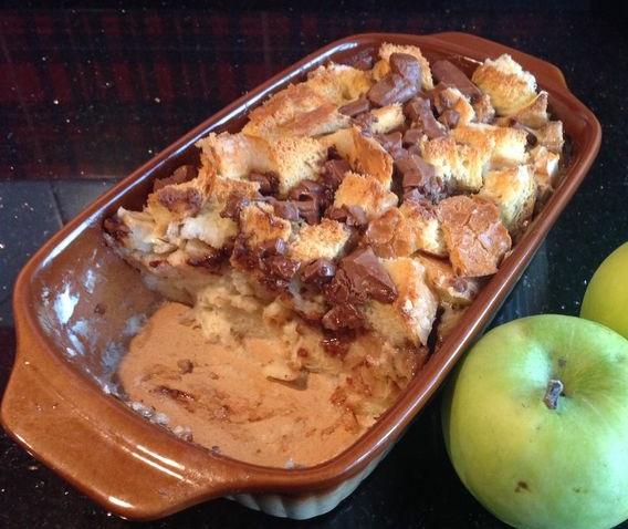 Хлебный яблочно-банановый пудинг
