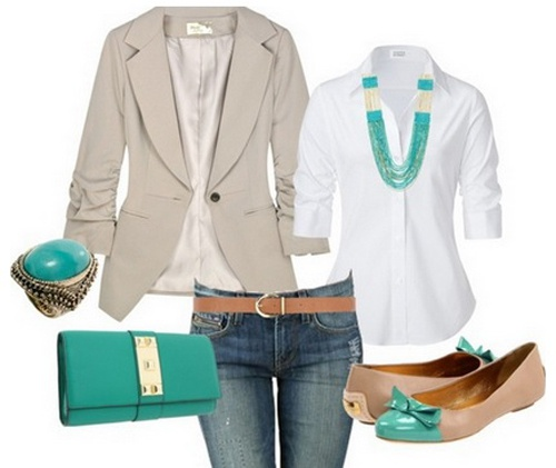 Классическое сочетание: белая рубашка и джинсы