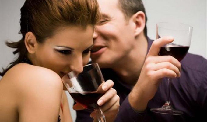 Как  познакомиться с девушкой в кафе