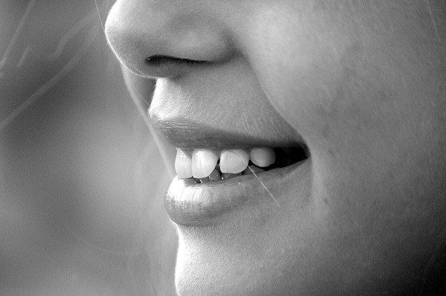 Приходите на профилактический осмотр к вашему стоматологу два раза в год.