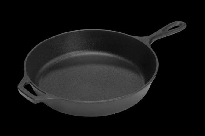 Как ухаживать за чугунной сковородой