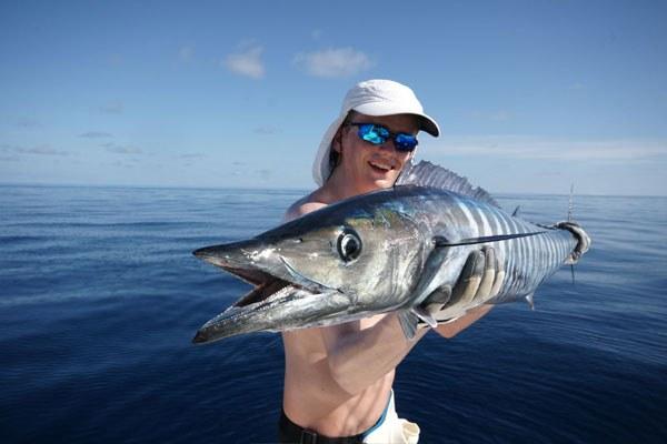 Рыбак в поляризационных очках
