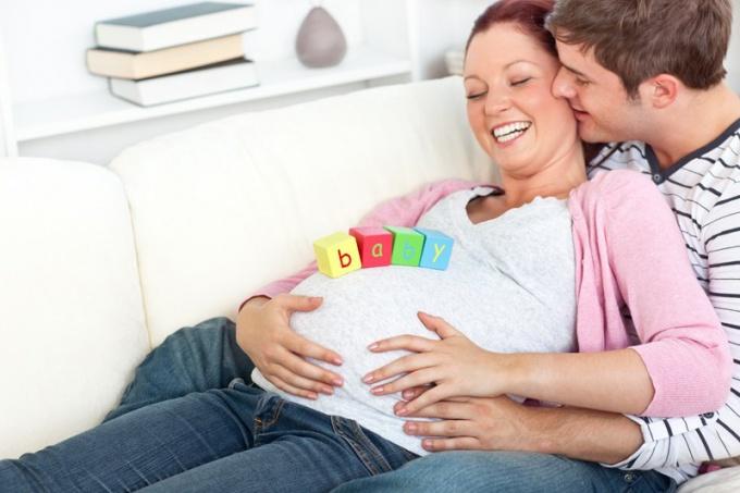 Беременность - непростой период в отношениях супругов