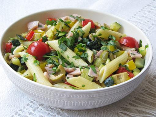 Простые рецепты теплых салатов